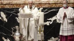 Pápež odslúžil omšu svätenia olejov, čaká ho ešte nabitý program