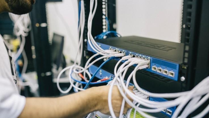 Výskumníci z FIIT STU v spolupráci s priemyslom pracujú na zvyšovaní bezpečnosti cloudu
