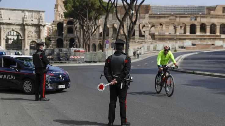 Taliani sú opatrní. Preventívne zaviedli trojdňový lockdown