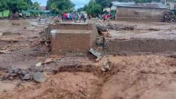 Prívalové dažde v Indonézii si vyžiadali desiatky obetí