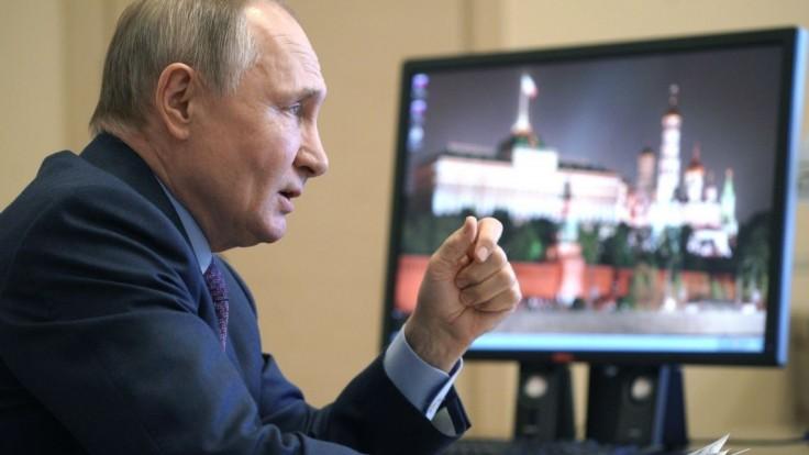 Prezidentom do roku 2036? Putin podpísal zákon po zmene ústavy