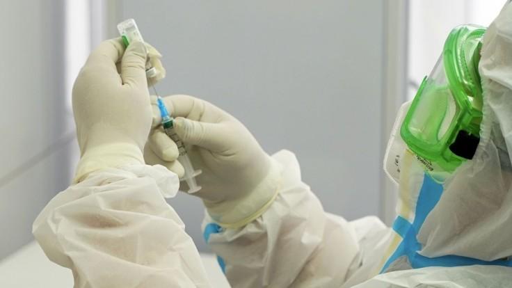 EÚ očakáva, že do konca júna dostane vakcínu väčšina jej obyvateľov