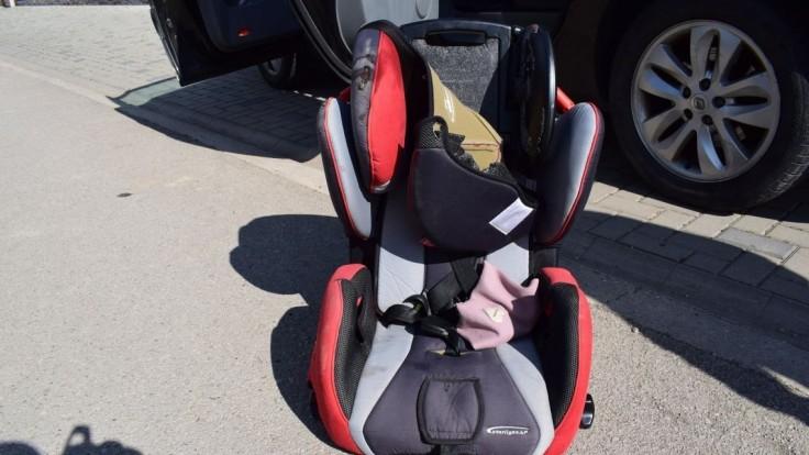 Hrozivé chvíle na ceste: Z auta vypadlo dvojročné dievčatko
