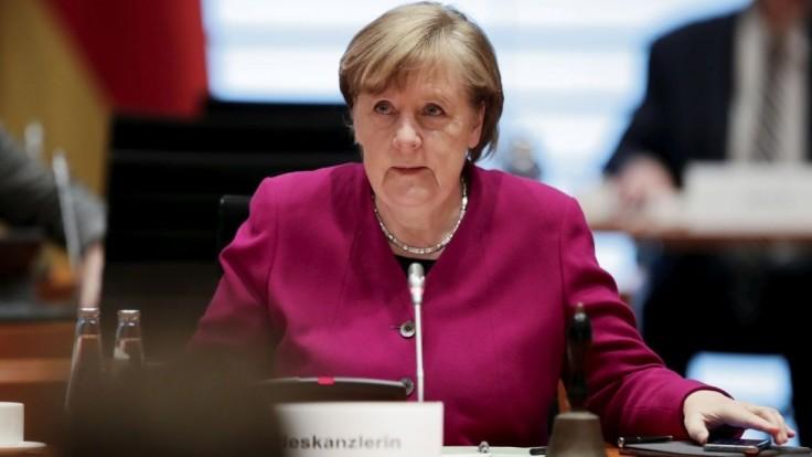Zdravotníctvo zažíva nápor. Merkelová je za krátkodobý lockdown