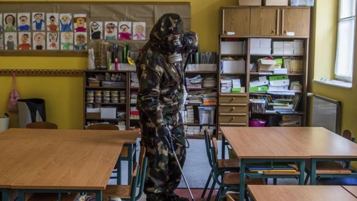 V Maďarsku opäť pribudli tisícky nakazených a stovky obetí
