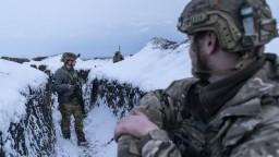 Na hraniciach s Ukrajinou je najviac vojakov od 2014, tvrdí Biely dom