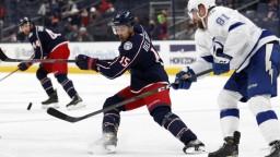 NHL: Tatar asistoval, Černákova Tampa Bay zdolala Columbus
