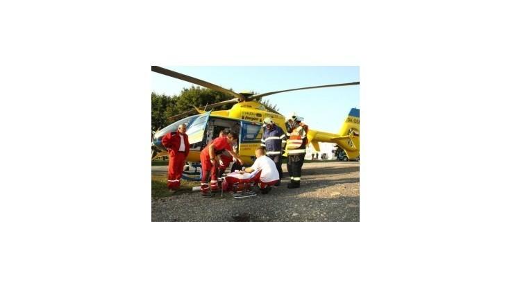 Pri nehode na pretekoch v Česku boli vážne zranení 2 diváci