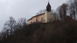 Na celom Slovensku sa rozoznejú zvony, pripomenú obete covidu