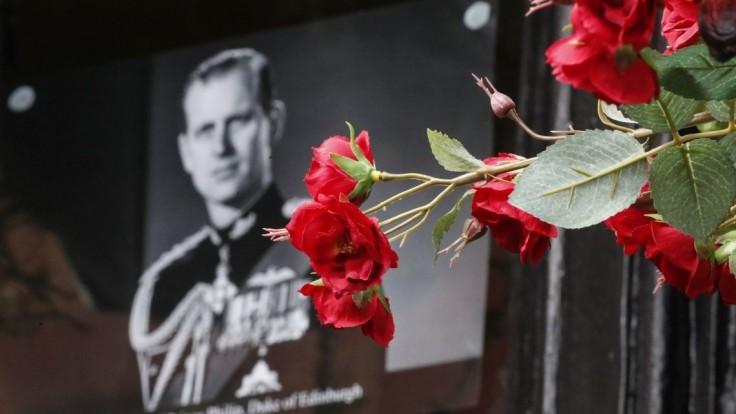 Premiér Boris Johnson sa pohrebu princa Philipa nezúčastní