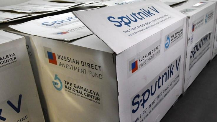 Tak takto?!: Odovzdáme vakcíny Sputnik V Maďarsku?