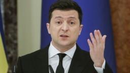 Zelenskyj chce dialóg s Putinom. Rusi ho nechávajú čakať