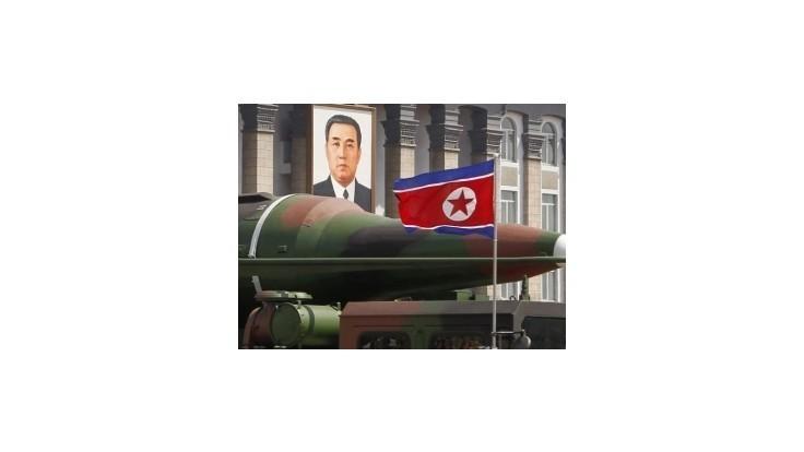 Severná Kórea hrozí raketami schopnými zasiahnuť USA