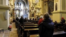 Ako to po týždni od otvorenia vyzerá v kostoloch? Boli aj problémy