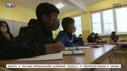 Chceli do školy, nemali však ani topánky. Tým najchudobnejším pomohli učitelia