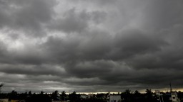 Poľsko zasiahol vietor s rýchlosťou sto kilometrov za hodinu. Hovoria o tornáde