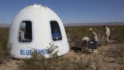 Bezos vyšle do kozmu ľudskú posádku. Jedno miesto ponúka v dražbe