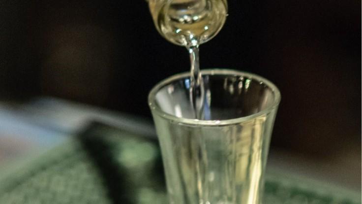 Z jabĺk z okolia Černobyľu vyrobili alkohol, smeroval do Británie