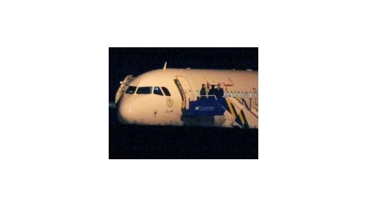 Turecké stíhačky zadržali lietadlo, Sýria hovorí o pirátstve