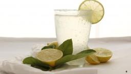 Voda s citrónom dokáže divy: Detoxikuje, dodáva energiu a omladzuje pleť