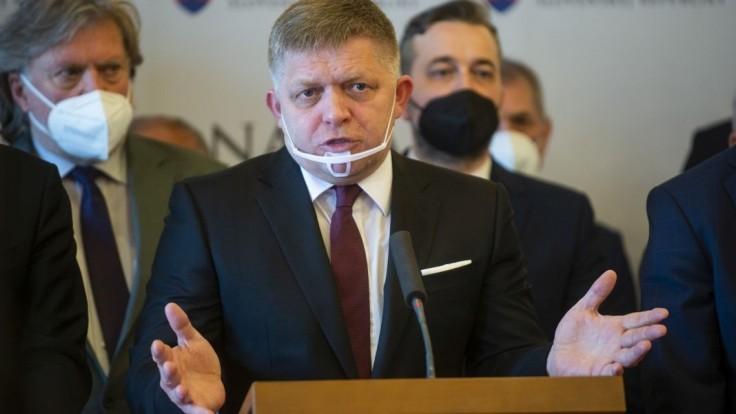 Fico chce mimoriadnu schôdzu: Heger by mal vysvetliť tajné stretnutie v SIS
