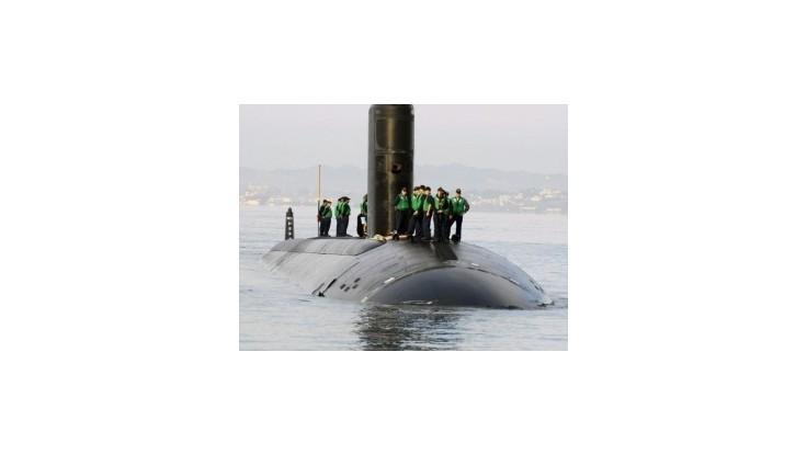 Americká jadrová ponorka sa zrazila s krížnikom