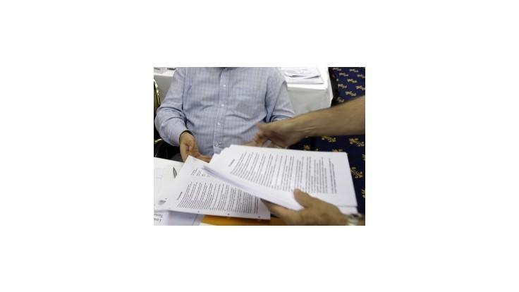 Vláda chce posilniť byrokraciu o tisícky úradníkov, tvrdí SaS