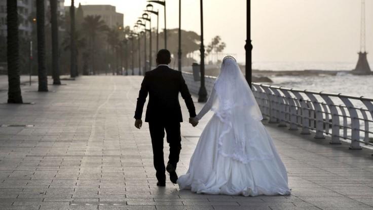Chystáte sa na svadbu alebo do akvaparku? Negatívny test potrebujete aj na oslavy