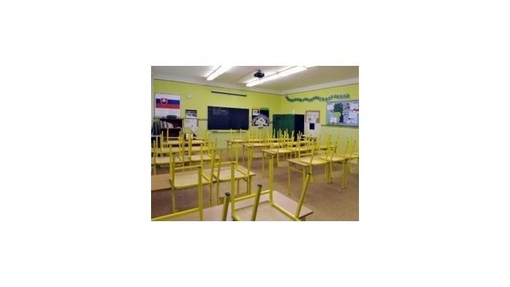 Školskí zamestnanci vstúpia do ostrého štrajku, potrvá do odvolania