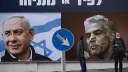 Izrael má novú vládu. Netanjahu po 12 rokoch ako premiér končí