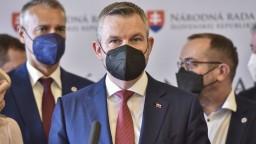 Pellegrini reaguje na Szabóa: Skončiť by mal Mikulec aj Heger