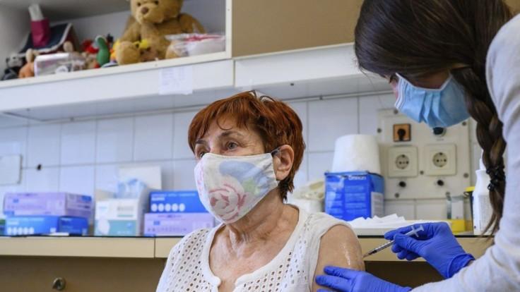 Maďarsko končí s hromadným očkovaním, oznámil Orbán