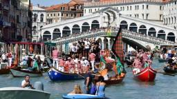 Obnovenie turistických plavieb vyvolalo v Benátkach protichodné reakcie