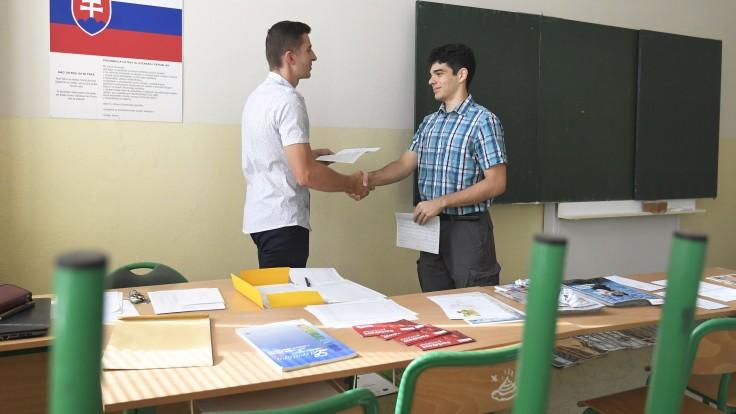 Učitelia sa cítia vyčerpaní a v strese. Mnohí uvažujú aj o odchode z profesie