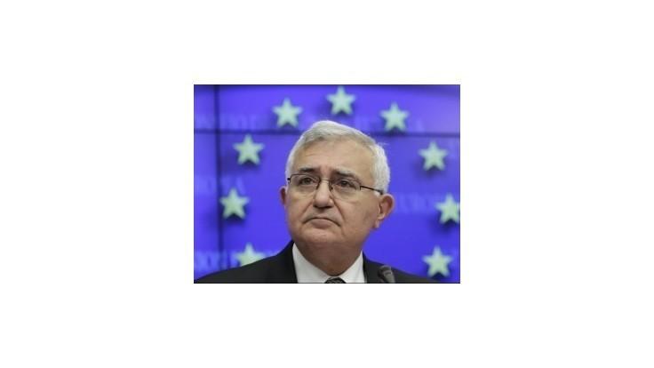 Maltský eurokomisár odstúpil pre podozrenie z korupcie