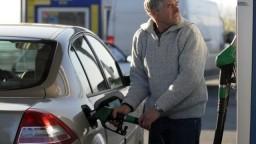 Správa, ktorá vodičov nepoteší. Ceny ropy naďalej stúpajú