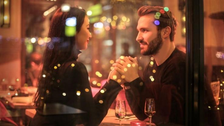Nová generácia mužov softies: Nepraktickí romantici sú menej plodní