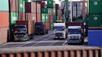 Vývoz tovaru zo Slovenska stúpol o vyše sto percent, nárast zaznamenal aj dovoz