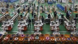 Návrat na úroveň spred krízy bude brzdiť nedostatok čipov, tvrdí analytik o priemysle