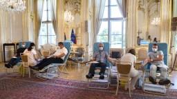 Prezidentská kvapka krvi. Darcov prizvali do paláca, prišla i prezidentka
