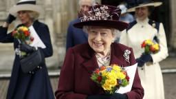 Drinky a luxusná večera. Kráľovná hostila najvplyvnejších politikov sveta