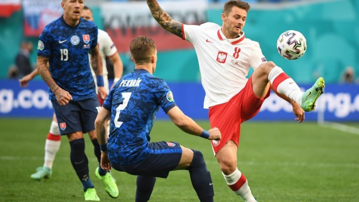 Veľký úspech v Petrohrade. Slovensko po góloch Maka a Škriniara zdolalo Poľsko