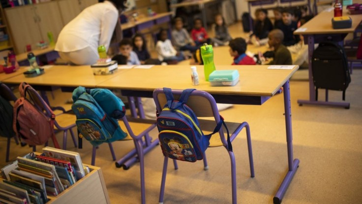 Rúška sťažujú deťom rozpoznávať emócie, ukázala talianska štúdia