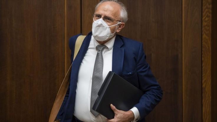 Mičovský je na schôdzi, uplatňuje si mandát poslanca za OĽANO