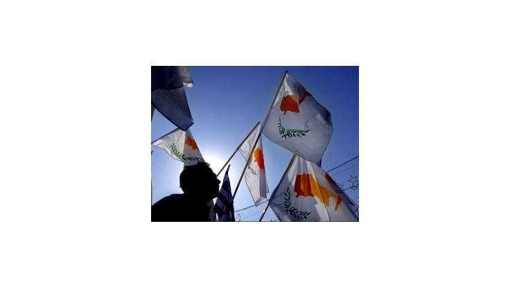 S&P znížila Cypru rating hlbšie do špekulatívneho pásma