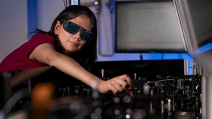 Prelomový povlak pre nočné videnie sa dá aplikovať na bežné okuliare