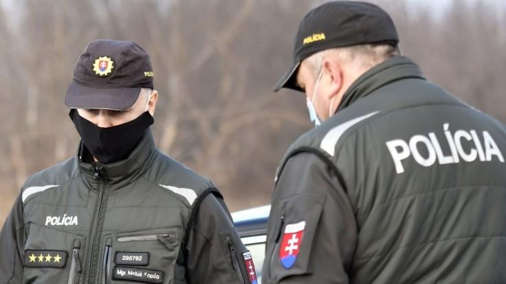 Posvietili si na prevádzačov. Rakúsku a Nemecku pomáhala aj naša polícia