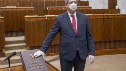 Ďalší poslanec Smeru kritizuje Mikulca: Odstupovalo sa aj za menšie kauzy