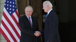 Putin a Biden chcú vytýčiť červené čiary, stretli sa v Ženeve