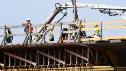 Holý bráni kritizovanú stavebnú reformu, Klub 500 vraj šíri nepravdy